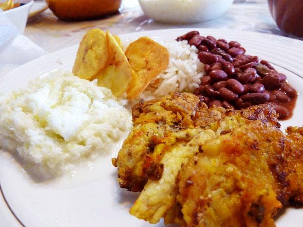 Honduran Cuisine, Island Snapper - Food Gypsy
