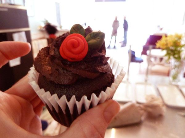 Thimble_Cakes_Fondant_Rose