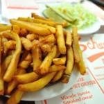 Schwartz's_Deli_fries_&_coleslaw
