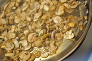 Saute mushrooms - Food Gypsy