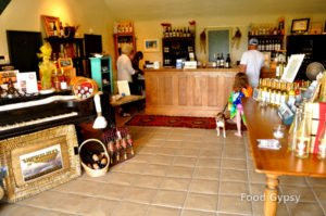 petite-riviere-vineyard-tasting-room-fg